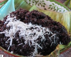 cooked purple sticky rice
