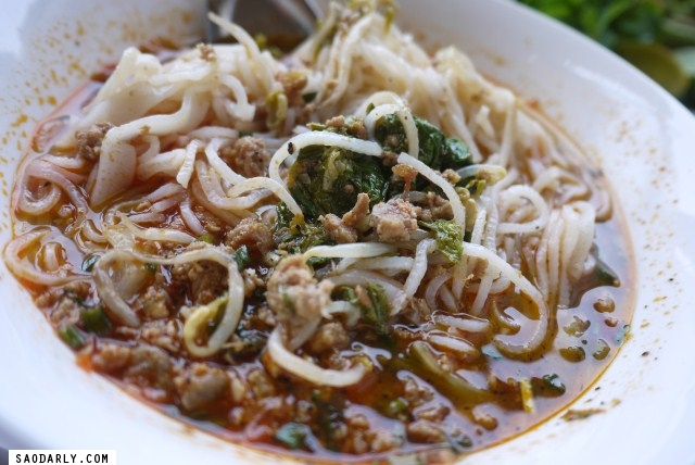 Khao Soy for lunch in Luang Prabang