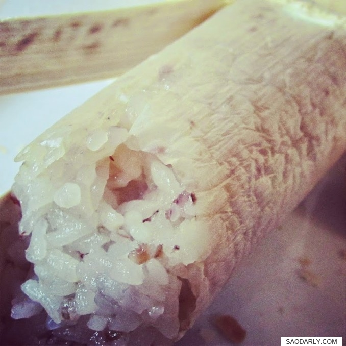 sticky rice in bamboo tube