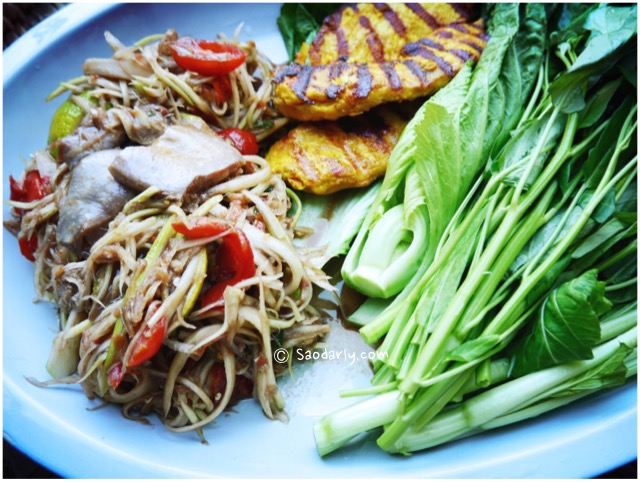 papaya salad grilled chicken