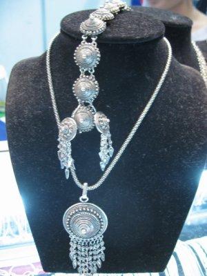 Lao jewelry at Lao-ITECC