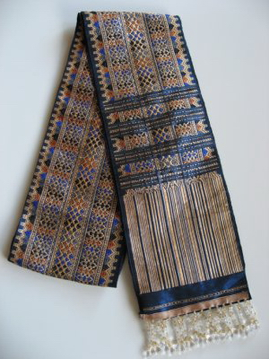 Lao pha bieng or shoulder sash