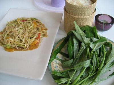 Lao Green Papaya Salad with Sticky Rice