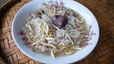 Lao food - khao phiak