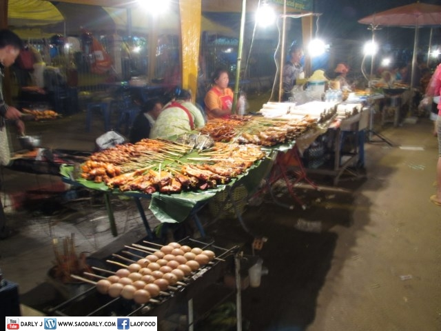 Food Stalls and Games at Boun That Luang