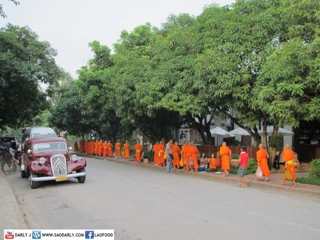 End of Buddhist Lent Alms Offering at 3 Nagas