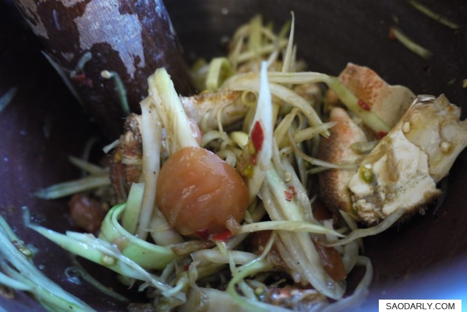 Papaya Salad with Tourteau Crab