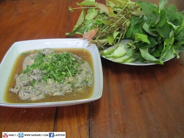 Larb Pa Tong and Vegetables